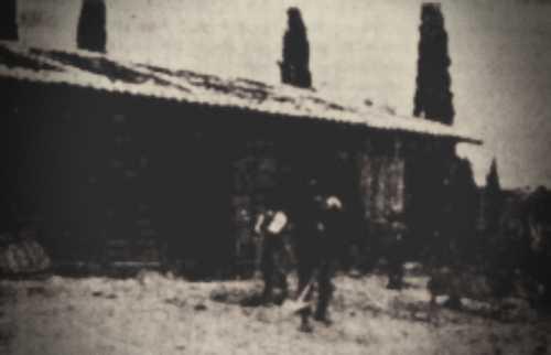 Η πλατεία του χωριού Γρανιτσαίικα Ηλείας, το 1928